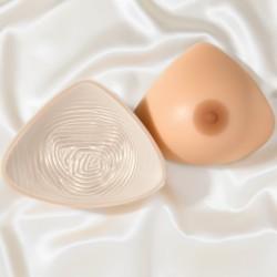 Prothèse seins, forme symétrique, galbe profond