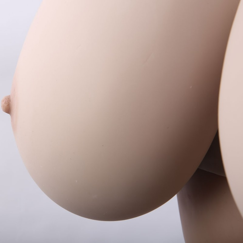 Buste faux seins en silicone, col haut et dos ouvert